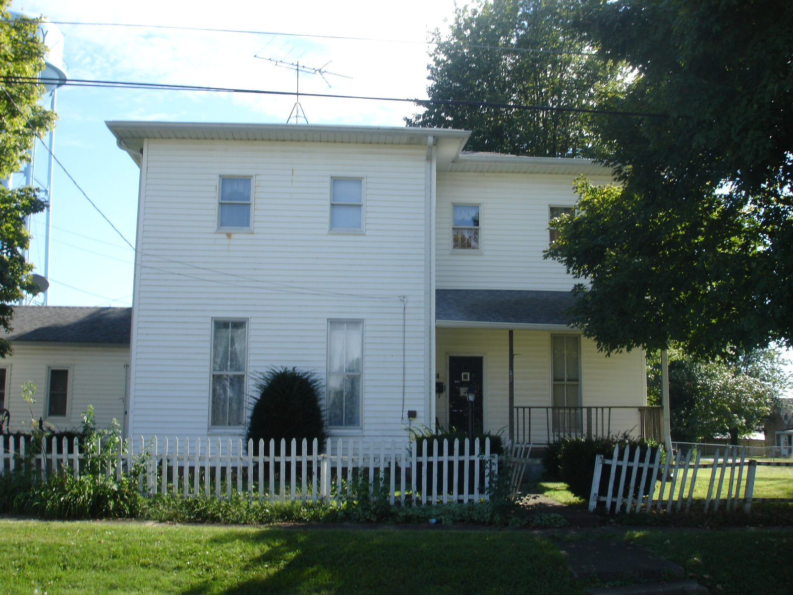 201 S 7th St Clay City, IN 47841